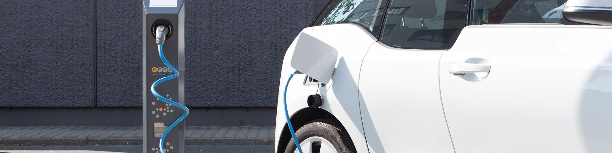 Using the charging technology for electric vehicles safely